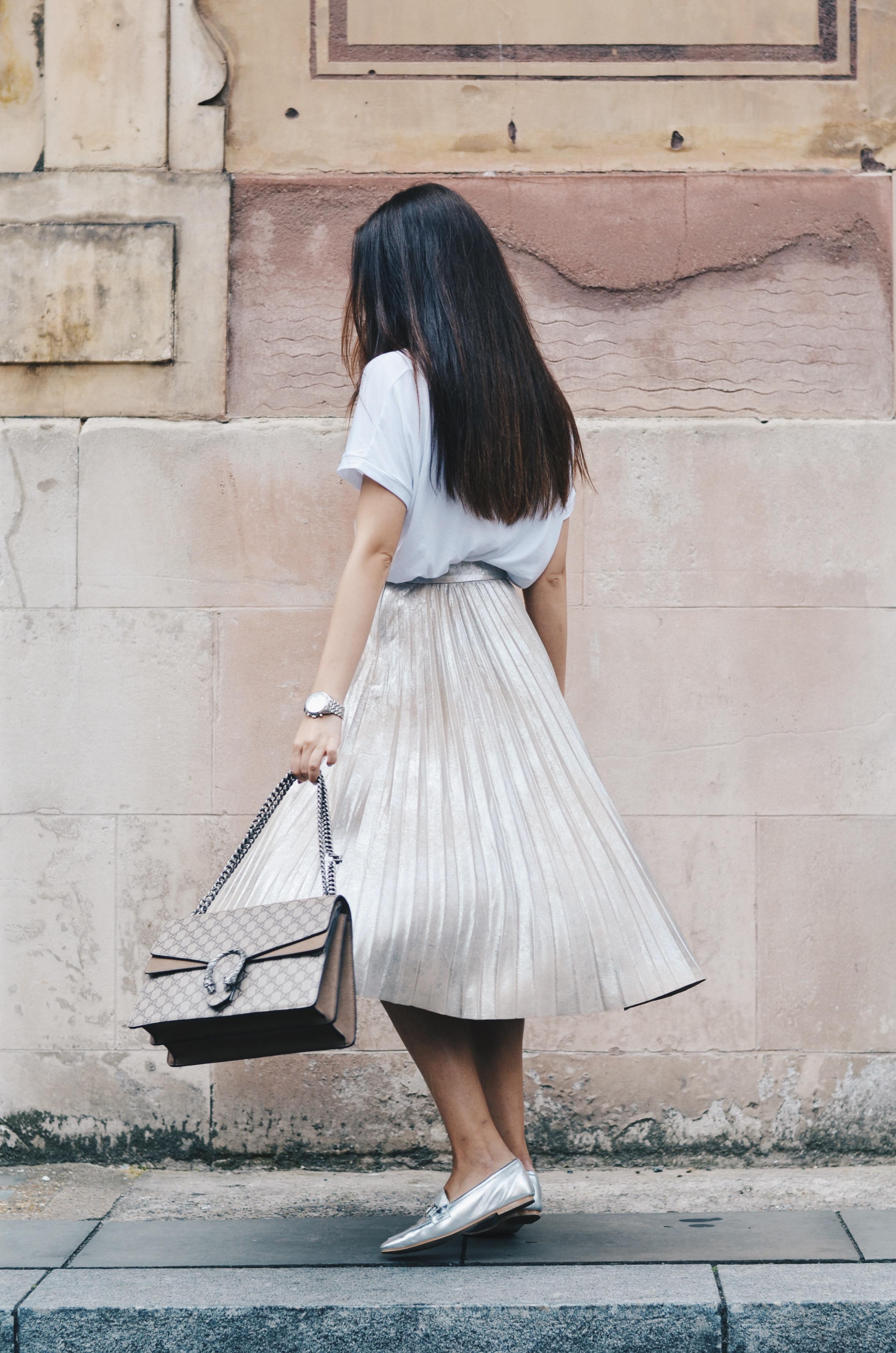 Top: ZARA | Skirt: ZARA | Shoes: Office | Bracelet: Tiffany & Co | Watch: Thomas Sabo | Bag: Gucci